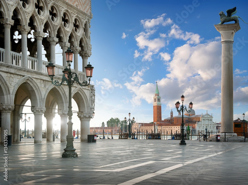 Stickers pour porte Venise Sunrise at San Marco