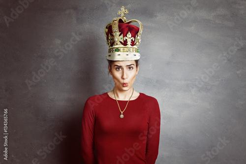 Frau mit Krone Canvas-taulu