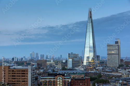 Spoed Fotobehang Londen LONDON, ENGLAND - JUNE 18 2016: Sunset panorama of The Shard and city of London and Thames river, England, Great Britain