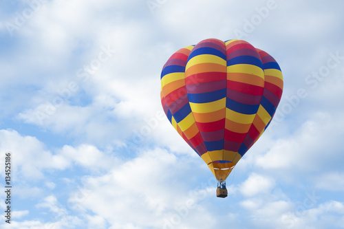 Foto op Plexiglas Ballon Hot Air Balloon Flying