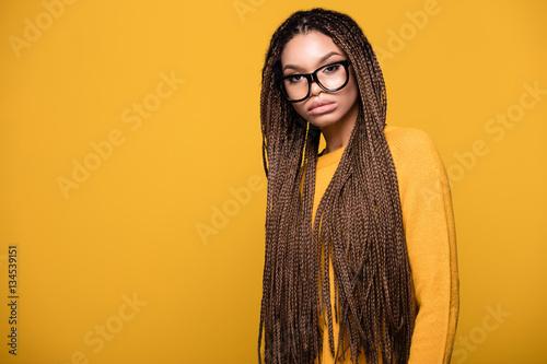 Obraz Portrait of fashionable young girl. - fototapety do salonu