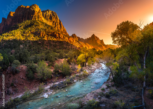 Poster de jardin Parc Naturel Zion National Park Virgin River at Sunset