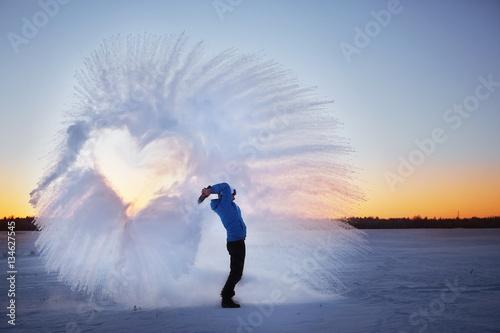 Obraz winter snow frosty fun guy - fototapety do salonu