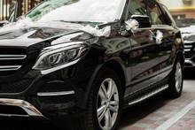 Black Mercedes G-Class Decorat...