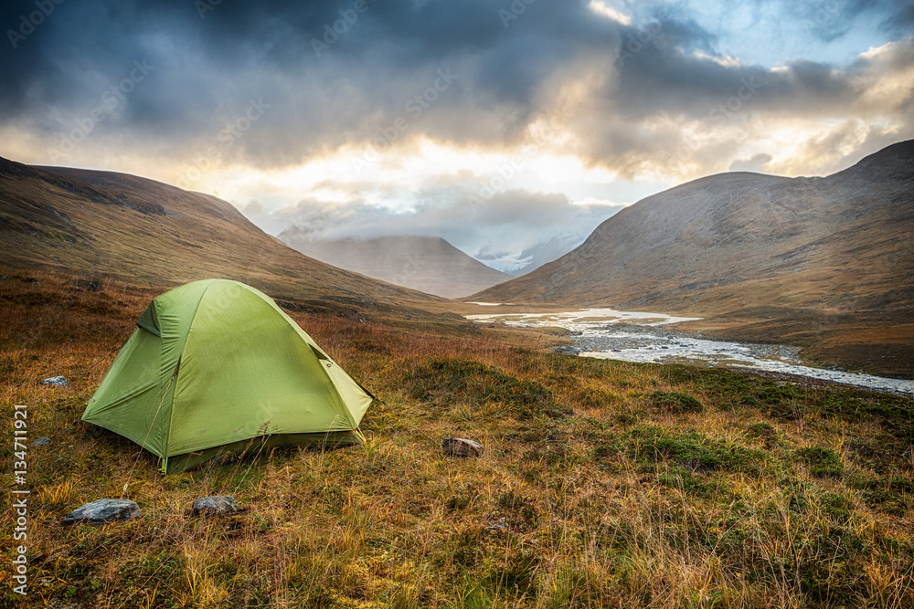 Fototapety, obrazy: Tent and Waterfall on the Nordkalottleden Hiking Trail in Lapland - Sweden