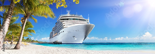 Billede på lærred Cruise To Caribbean With Palm Trees - Tropical Beach Holiday