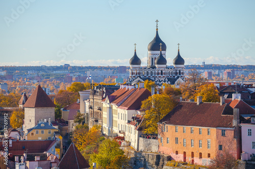 Papiers peints Madrid Toompea hill with tower Russian Orthodox Alexander Nevsky Cathedral view from the tower of St. Olaf church, Tallinn, Estonia