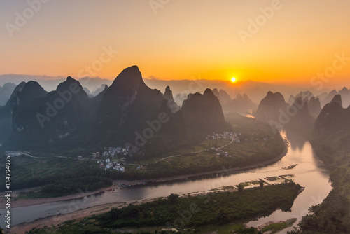 Tuinposter Guilin Sunrise Landscape of Guilin, Li River and Karst mountain in China.Morning in guilin.