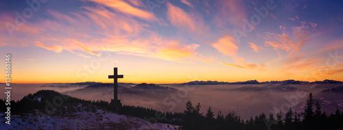 Rennfeld mit Blick auf Hochschwab und Mugl bei Nebel im Sonnenuntergang Canvas Print