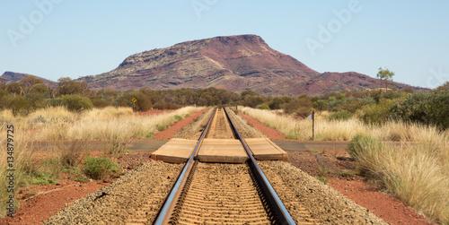 Keuken foto achterwand Spoorlijn Straight railroad track in the Australian desert