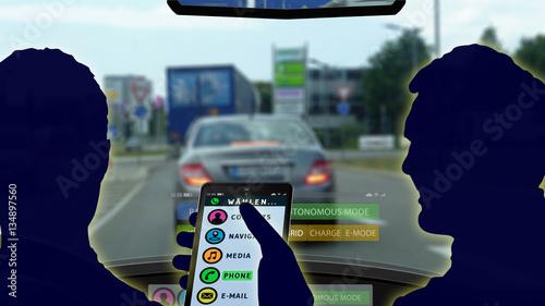 adi33 AutonomousDrivingIllustration - german: Handy / Tablet Computer / Smartpho Canvas Print