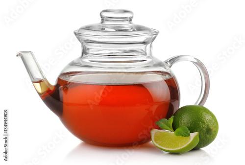 herbata-w-szklanym-dzbanku-z-limonka