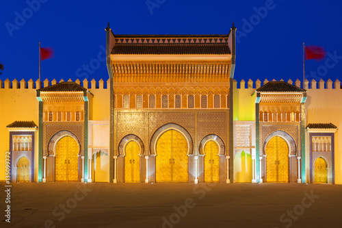 Golden doors of the Royal Palace (Dar el Makhzen) in Fez at nigh & Golden doors of the Royal Palace (Dar el Makhzen) in Fez at nigh ...