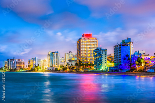 Cadres-photo bureau Caraibes Condado Beach skyline in San Juan, Puerto Rico.