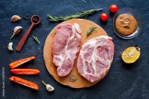 Foto op Plexiglas Steakhouse concept cooking meat steak on dark background top view