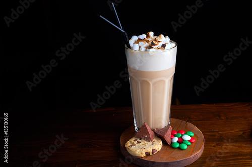 Foto op Plexiglas Milkshake Iced coffee with chocolate ice cream