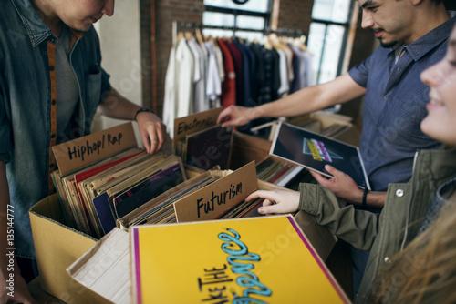 Deurstickers Muziekwinkel Vinyl Record Store Music Shopping Oldschool Classic Concept