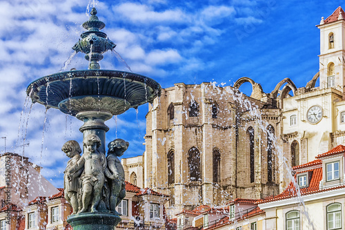 Cadres-photo bureau Fontaine Fountain in Rossio Square in Lisbon