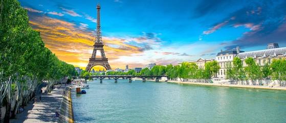 Fototapeta na wymiar Paris, France