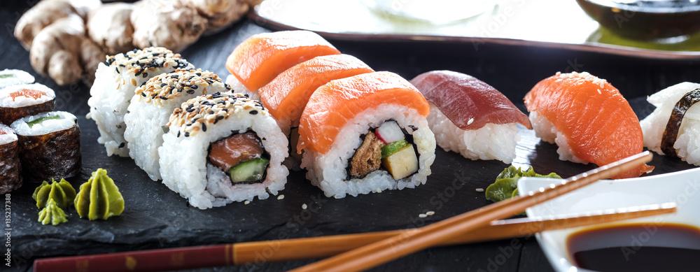 Fototapety, obrazy: Sushi Verschiedene sorten