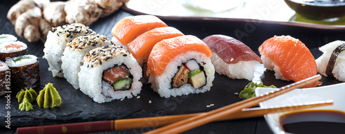 Photo sur Toile Sushi bar Sushi Verschiedene sorten