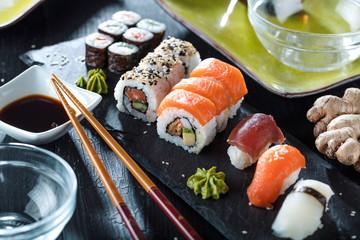 Fototapeta Do gastronomi Sushi Verschiedene sorten