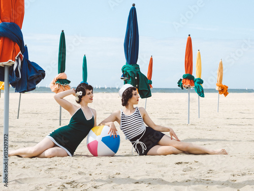 Pin up retro sur la plage