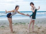 Przypnij retro na plaży - 135298360