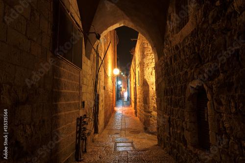 Fototapeten Schmale Gasse Night street in the old city of Jerusalem, Israel.