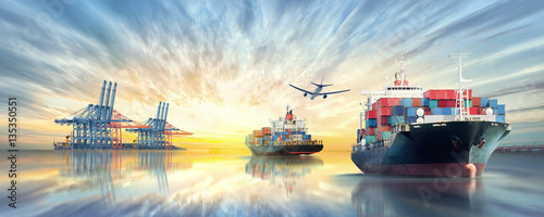 Pinturas sobre lienzo  Logistics and transportation of International Container Cargo ship and cargo pla