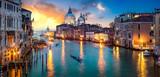 Sonnenuntergang über dem Canal Grande in Venedig, Italien