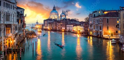 Fototapeta premium Zmierzch nad kanał grande w Wenecja, Włochy