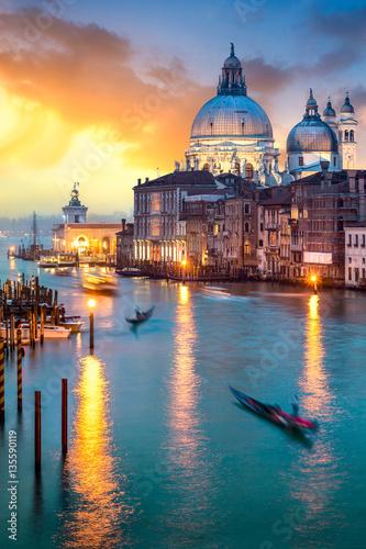 mata magnetyczna Sonnenuntergang über dem Canal Grande in Venedig, Italien