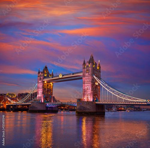 Foto op Canvas Londen London Tower Bridge sunset on Thames river