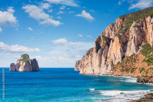 Montage in der Fensternische Kuste High cliffs of Mediterranean coast,