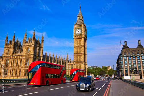 In de dag Londen Big Ben Clock Tower and London Bus