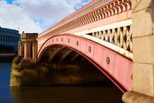 London Blackfriars Bridge In T...