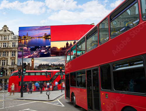Poster Londres bus rouge Piccadilly Circus London digital photomount