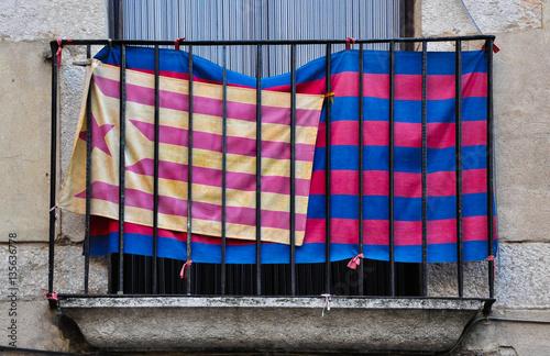 Fútbol y nacionalismo, banderas estelada y del Barça, Gerona, Girona