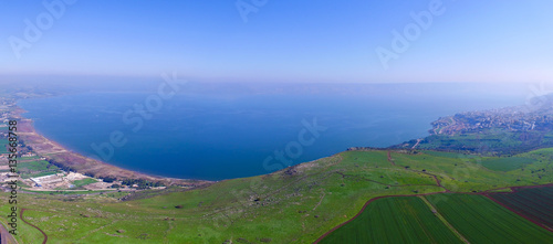Valokuva Sea of Galilee - Aerial footage over the Arbel cliff