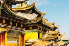 The Details Of Tibetan Buddhist Longwu (Rongwo) Monastery In Qinghai, China