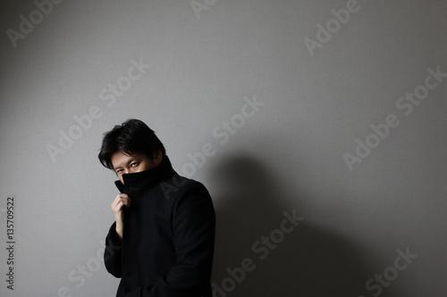 Fotografie, Obraz  コートを着た男性