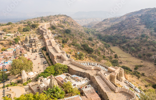 La pose en embrasure Fortification Kumbhalgarh Fort in Rajasthan