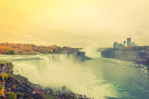 Küchenrückwand aus Glas mit Foto Wasserfalle American side of Niagara Falls during sunrise . ( Filtered imag