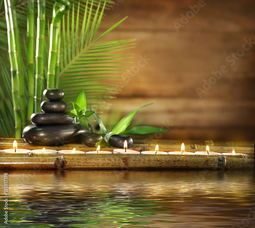 Akustikstoff - Beautiful spa composition with reflection on water surface
