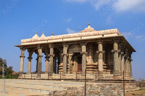 Spoed Fotobehang Berlijn Temple of the interior of Fort Kumbhalgarh, India