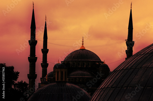 Photo  Blue Mosque shot from the Aya Sofya / Agia Sofia during dawn