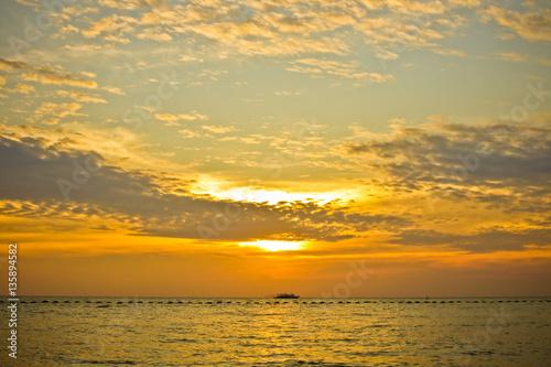 Foto op Aluminium Zee / Oceaan Sunset with beautiful sky