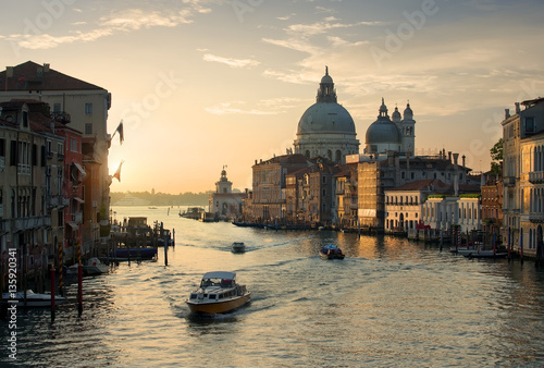 Staande foto Fiets Calm sunset in Venice