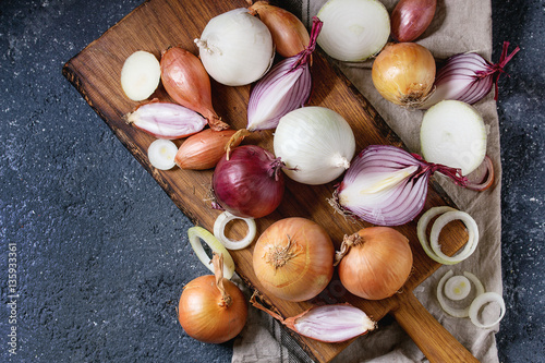 Variety of whole and sliced onion